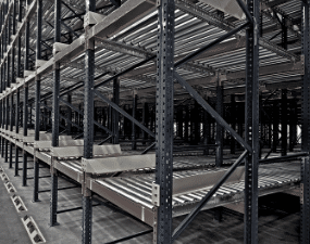 How Does Pallet Flow Rack Work?